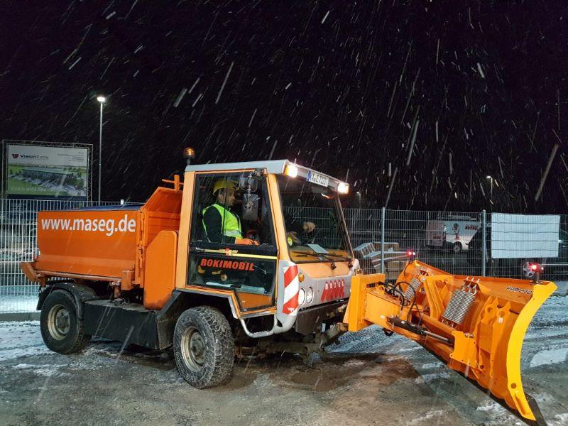 Maseg unterwegs gegen Eis ung Schnee: Verlässlicher Winterdienst
