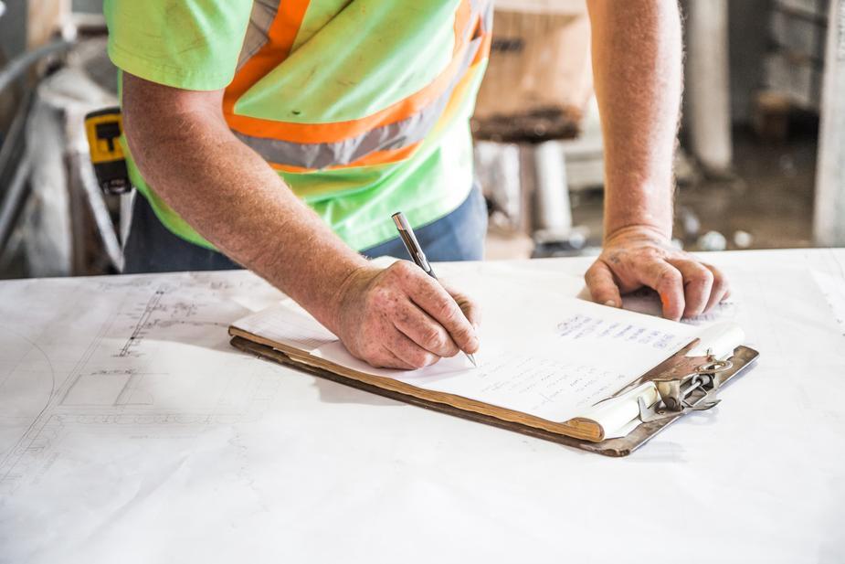 Hausmeisterdienste Reparaturen Grünpflege Aussenreinigung