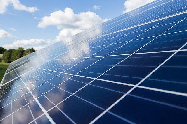 Firma für Photovoltaik Reinigung: Wir reinigen PV-Anlagen professionell