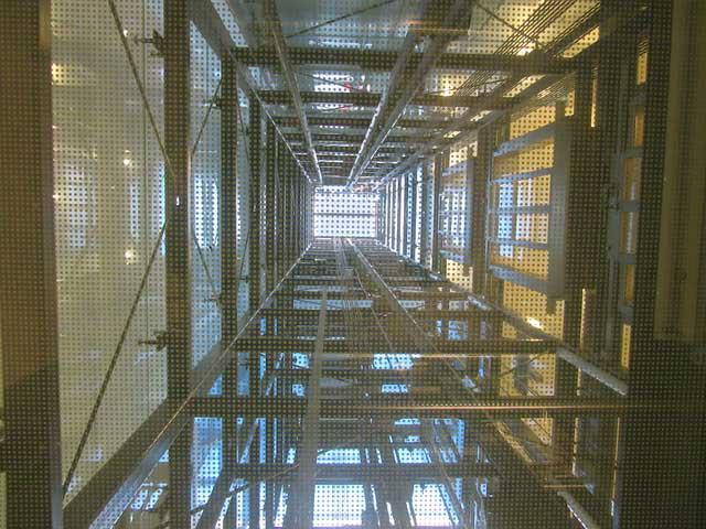 Brandschutzreinigung Aufzugsschächte nach VDI 2052