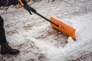 Winterdienst: Schneeräumpflicht für Mieter und Eigentümer